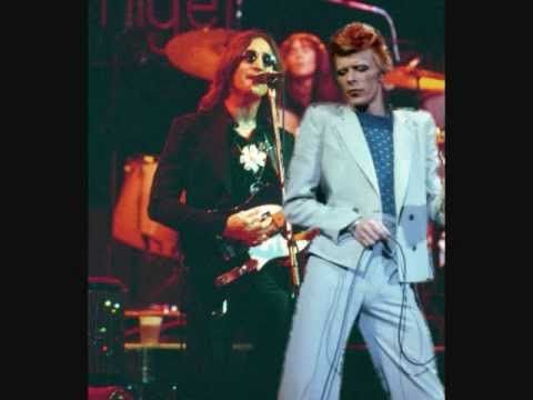 David Bowie and John Lennon LIVE - YOUNG AMERICANS - YouTube