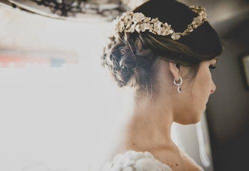 Un tocado para cada novia   Con tacones y de boda