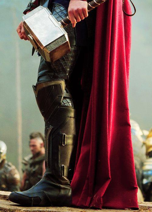 Thor : The Dark World. via : http://asdfghjkl-postsblr.tumblr.com/post/55743807253