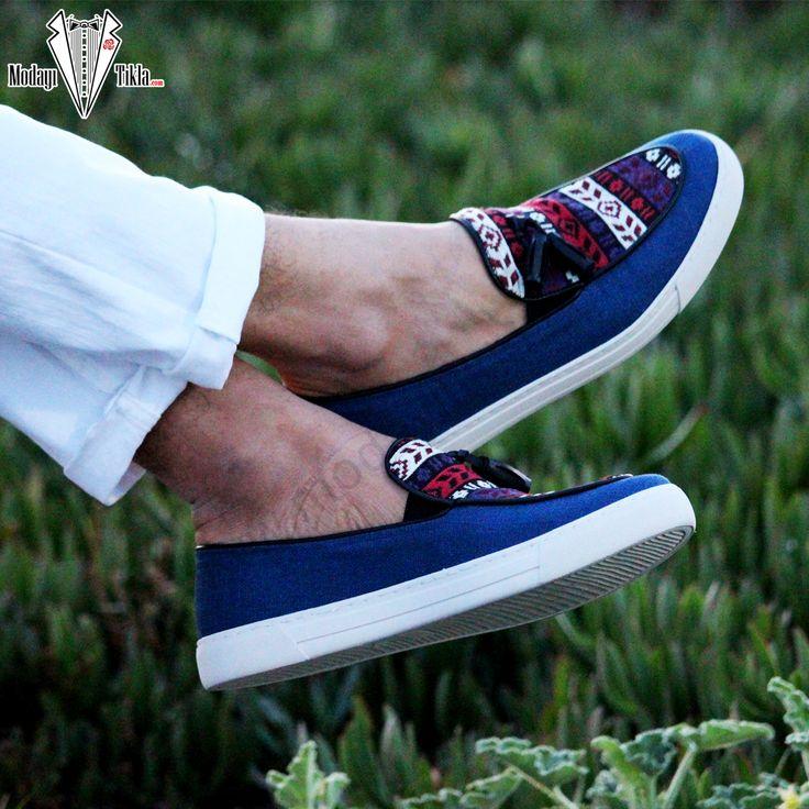 Kilim Desenli Püsküllü Ayakkabı Mavi