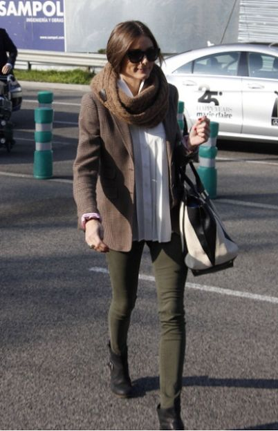 Really cute take on 'old man' chic. Olive jeans, tweed jacket and oversized knitted scarf.