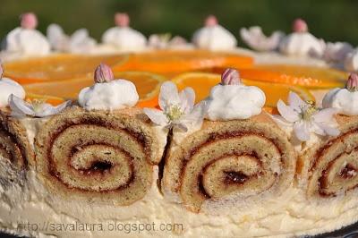 Tort rulada cu crema de iaurt si portocale