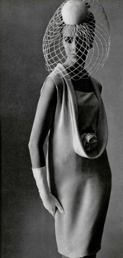 1964. L'Officiel. Model Australian Maggie Eckhart. Dress by Pierre Cardin. Photo by Philippe Pottier (B1905-D1991)