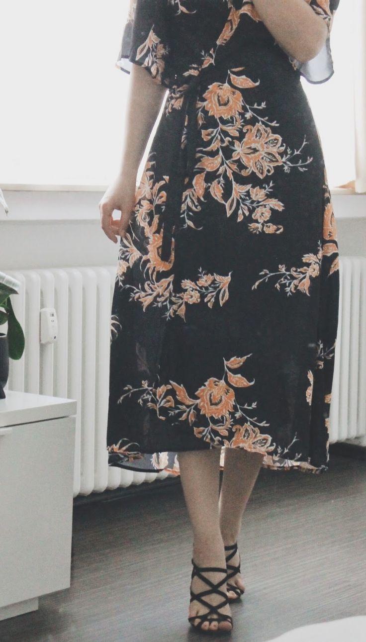 #wrapdress shop the look with @shein http://bit.ly/2qERut9 https://fashionablestreets.blogspot.de/2017/05/ootd-wrap-dress.html