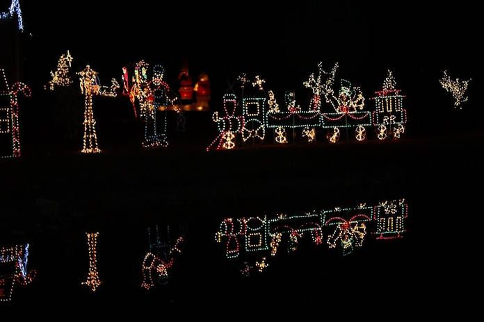 Looking For The Biggest Best Christmas Lights In The Raleigh Durham Chapel Hill A Best Christmas Lights Best Christmas Light Displays Christmas Light Displays