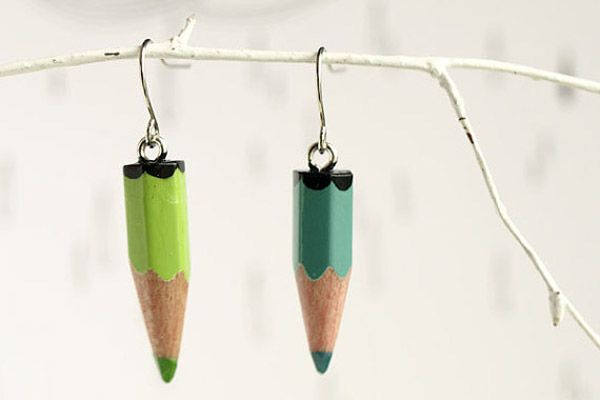 would be so cute with regular pencils for a teacher gift - or colored pencils for the art teacher's gift! ;o)