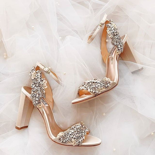 Sparkly Bridal Shoes In 2020 Bridal Shoes Wedding Shoes Wedding Shoe