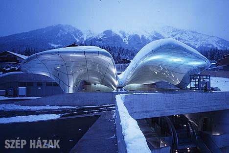 http://szephazak.hu/epulet/nordpark-hegyivasut-innsbruckban/19/
