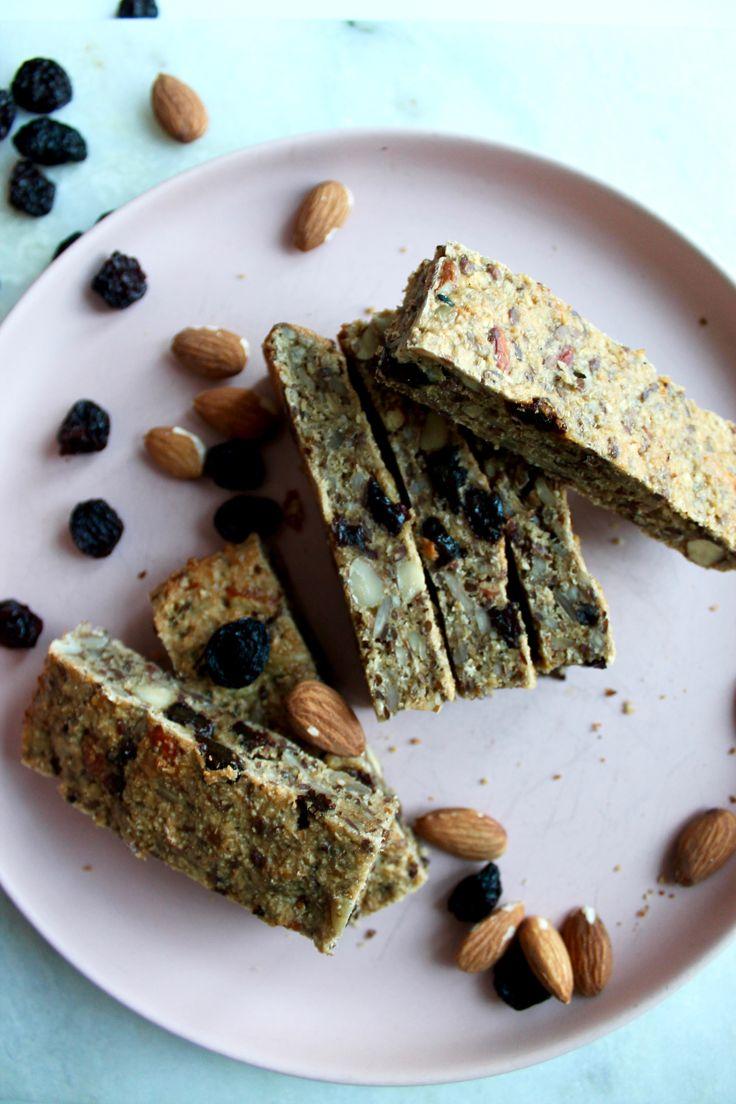 Sunde mættende müslibarer med chiafrø // Healthy muesli bar with chiaseeds