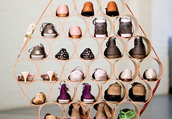 Schuhröhrenregal