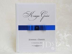 Księga gości PR-07-K-(ecru lub biała) w której wpiszą się wszyscy goście, którzy przybyli na Wasze przyjęcie weselne!