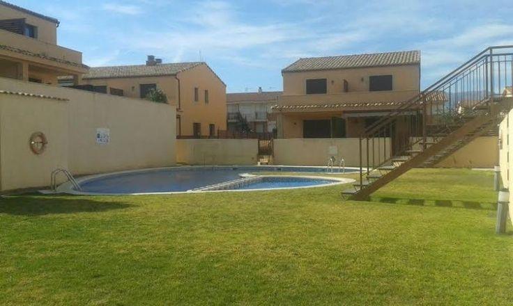 Louez cette propriété de 3 dormitorios pour 700€ par semaine! Afficher les photos, les avis et les disponibilités.