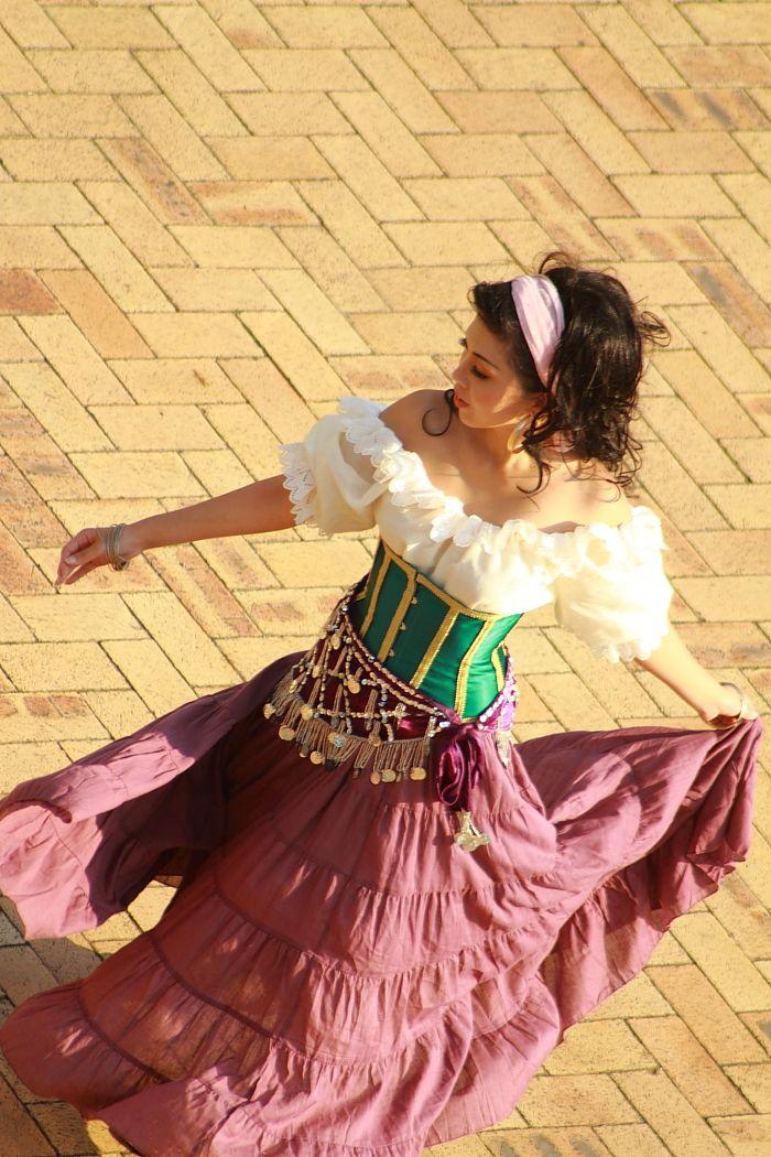 """Esmeralda by Misuzu-Suu.deviantart.com on @deviantART - From """"The Hunchback of Notre Dame"""""""