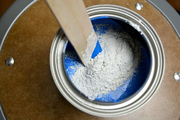 Best Chalkboard Paint | Making Chalkboard Paint at Home - Homemade Chalkboard Paint Recipe Using Simple Ingredients by DIY Ready at http://diyready.com/best-chalkboard-paint-making-chalkboard-paint-home-2/