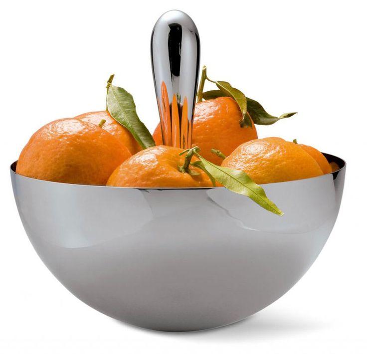 Luxusní ocelová mísa Philippi Anna je navržená podle tvaru Bowlingové koule. Mísu nelze převrátit! Design Murken + Hansen.