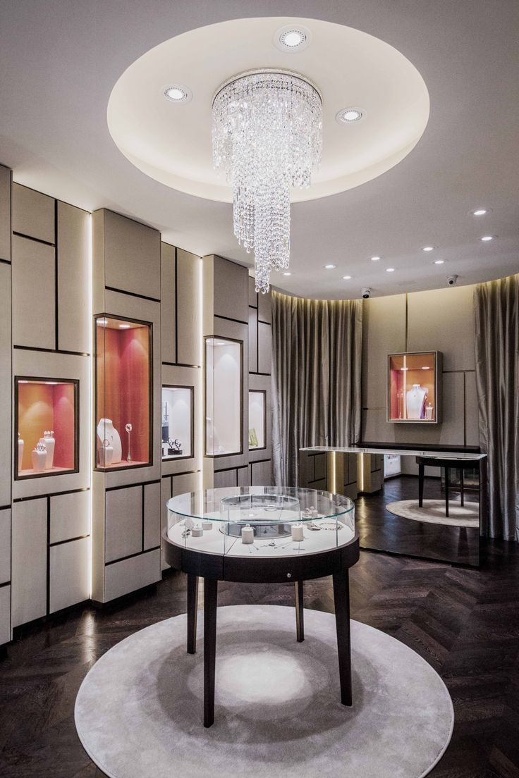 Lighting project conveived for Caroceli jewelry in Modena by Paolo Giachi Studio.