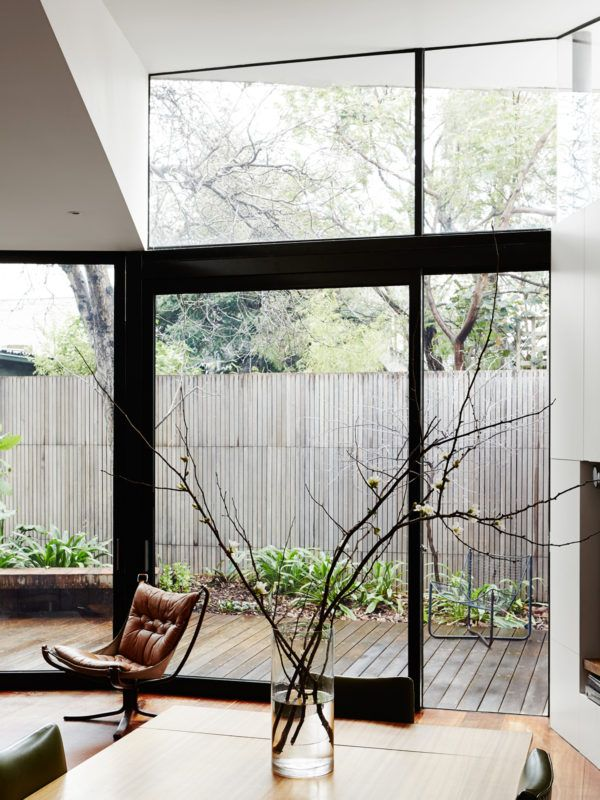Falcon Chair Photo – Annette O'Brien. Production – Lucy Feagins / The Design Files.