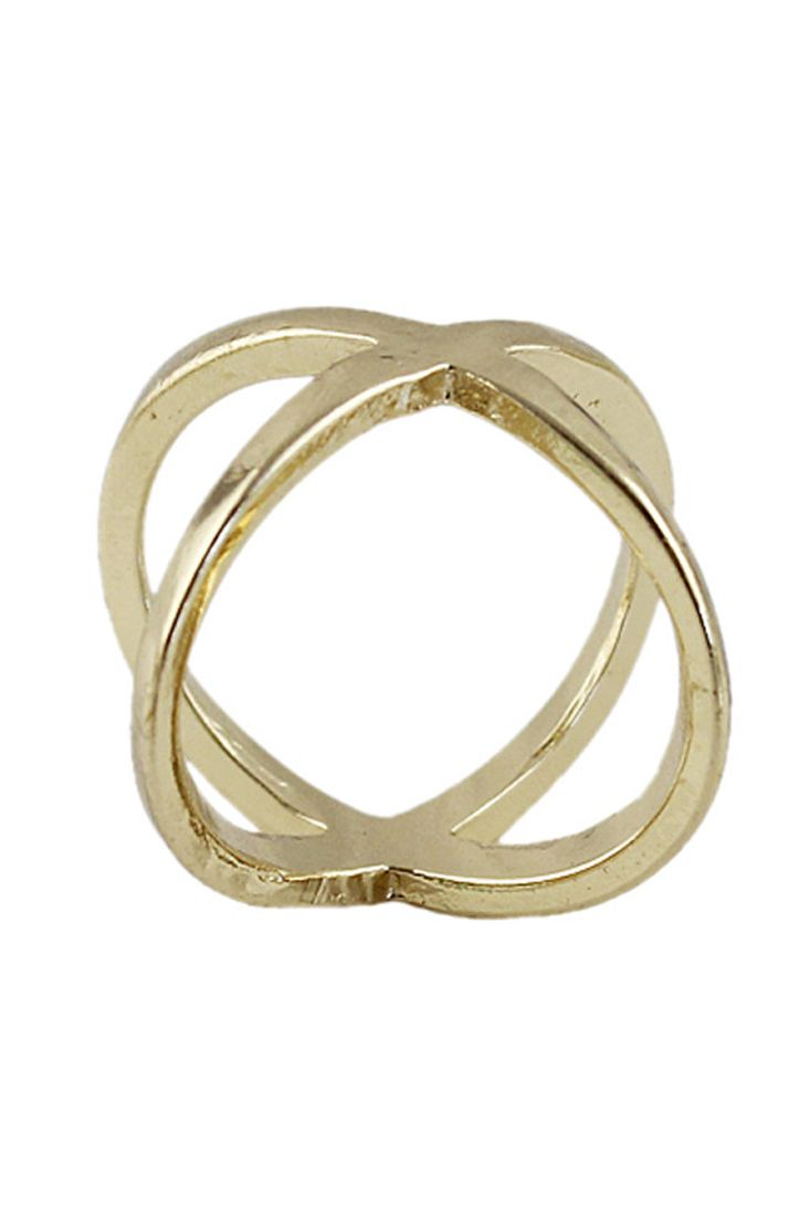 The ring comes in simple X Cross. 17 mm internal diameter. Three pieces per lot.