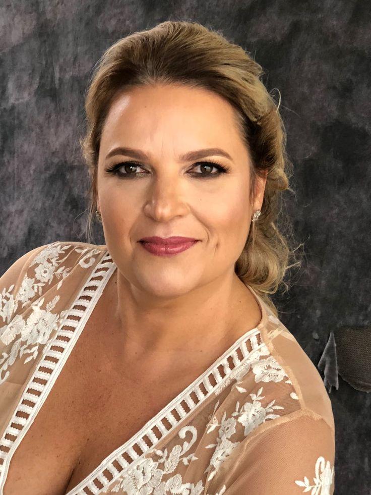 Soprano Tina França Make Zil Dias Penteado Penha