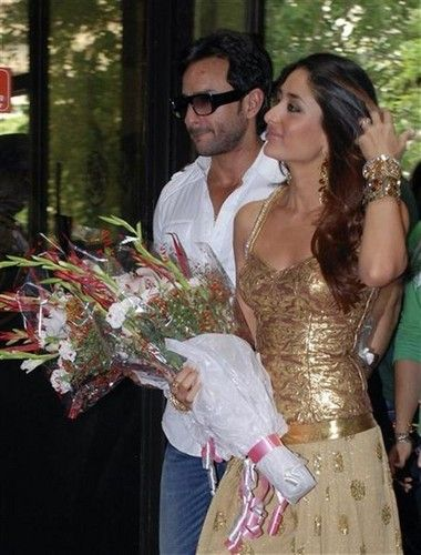 Khan-Wedding-Saif-Ali-Khan-and-Kareena-Kapoor-Wedding-Pictures-6.jpg