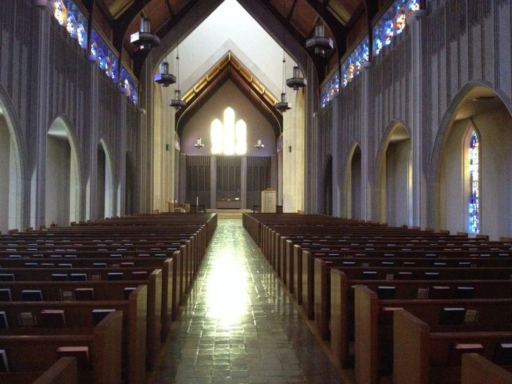 Beautiful #churchsanctuary #teamrmc #churchwedding #weddingday #centeraisle www.rentmychurch.com