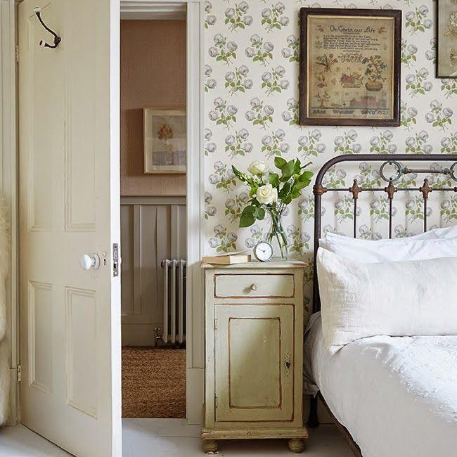 antique bedroom green wallpaper antique white crisp white - Antique Bedroom Decorating Ideas