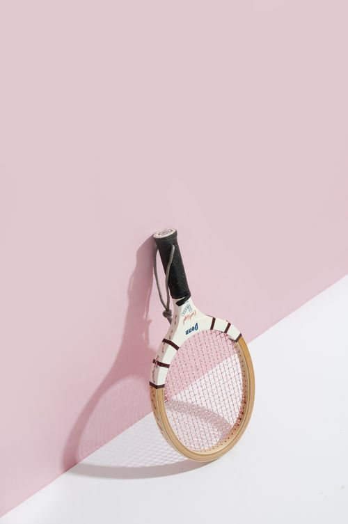 {Oldschool tennis racket}