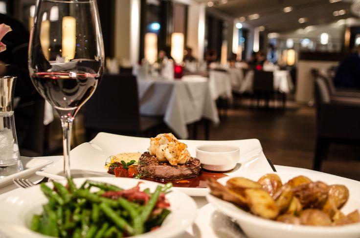 Steaks im IMLAUER Sky - Bar & Restaurant