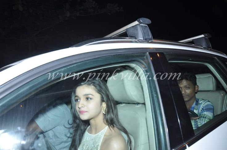 Alia Bhatt, Varun Dhawan, Arjun Kapoor, Aditya Kapoor at SRK's Eid bash data-pin-do=