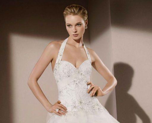 Une robe de mariée de la collection Divina Sposa 2015  Mariage ...