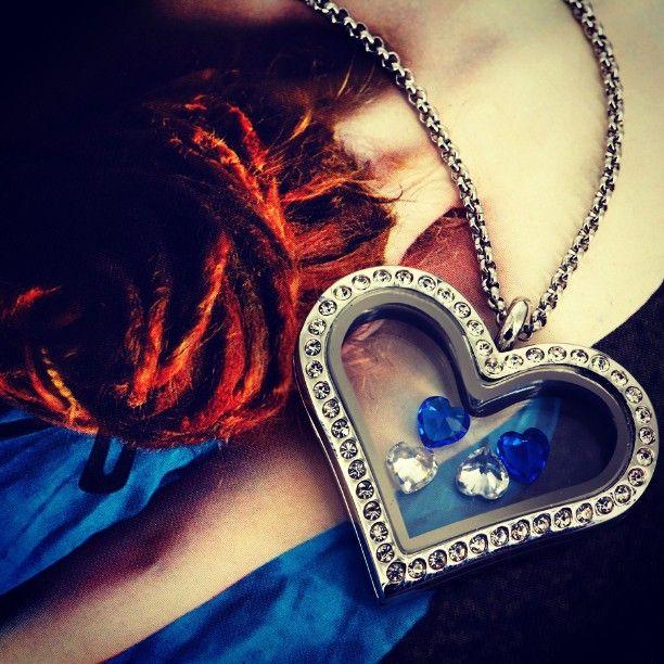 Let there be BLUEs! #bijuterra #bijuterraro #bijuteriicupoveste #fiiunica #amintiri #pandantiveinox #bijuteriiinox #cadoulperfect