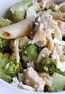 Vaříme bez tuku: Těstovinový salát s brokolicí a nivou