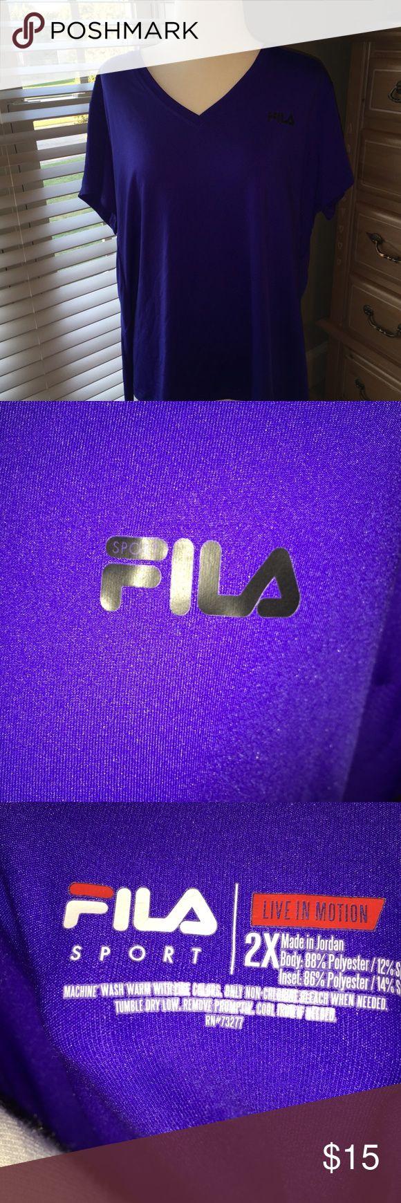 Woman's Fila v neck 2X plus Dri workout t-shirt Ladies Plus size 2X Vneck Fila moisture wicking workout t shirt Fila Tops Tees - Short Sleeve