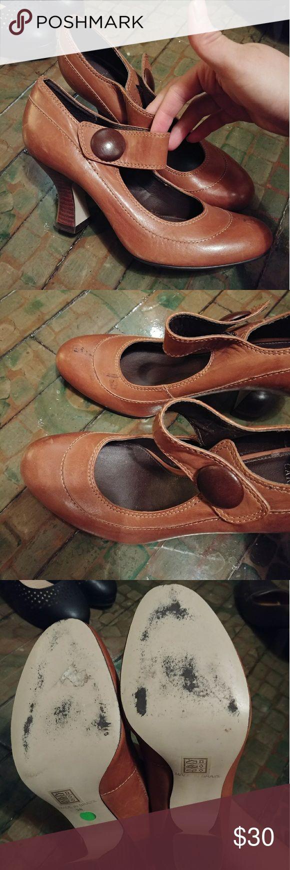 Carvela kitty vintage heels Size 38 looks like leather..not sure. Some marks on right shoe carvela Shoes Heels