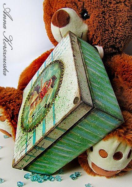 DIY: Kuferek z konikiem: http://annakorszewska.blogspot.com/2015/02/diy-kuferek-z-konikiem.html http://stonogi.blogspot.com/2015/02/kuferek-z-konikiem.html