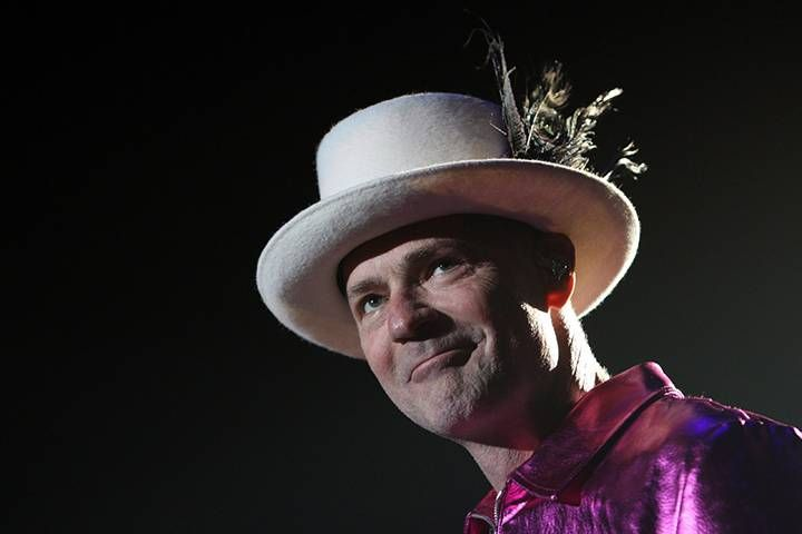 Gord Downie's doctor in awe of Tragically Hip singer's courage, energy on tour