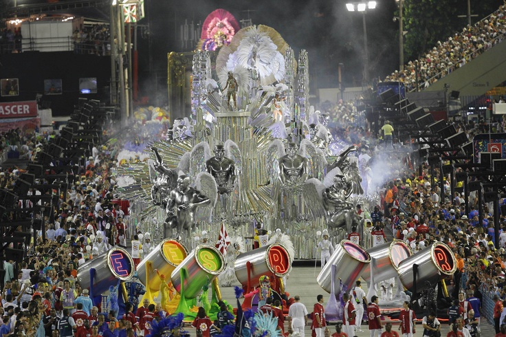 Carnival 201v2:  Sambodromo, Rio de Janeiro - That parade is in honor of Romero Britto (born in October 6, 1963 in Recife, Pernambuco State, Brasil). He is a brazilian painter, sculptor and silkscreen. He is one of the most awarded Brazilian painters of today.)
