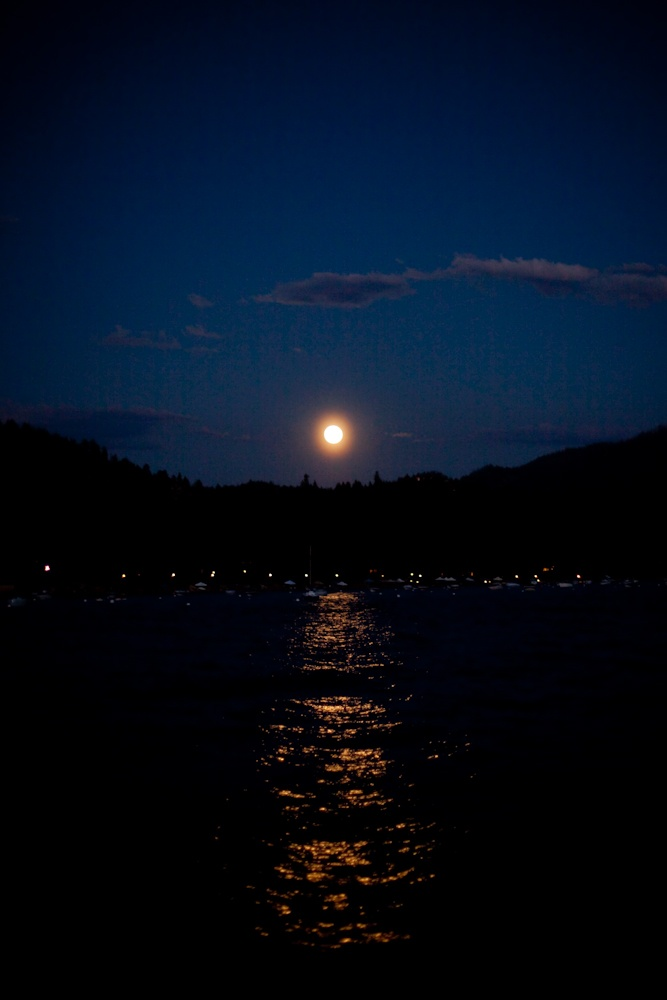 17 Best images about MOONLIGHT OVER WATER on Pinterest ...