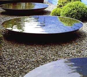 steel water bowl feature