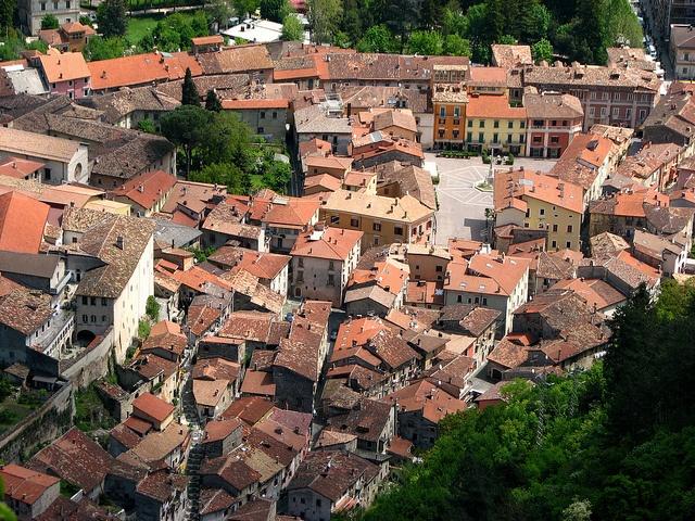Tagliacozzo, Italy - Centro Storico by peet-astn, via Flickr
