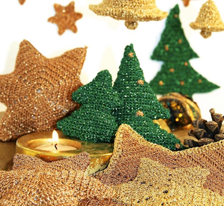 Virkad julpynt. Julgran, stjärnor och klocka. #knittingroom #garn #hemmet #inspiration #jul #julgran #inredning