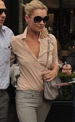 Great street style Kate Moss. In five months I'll start thinking about an outfit like this, with a bra of course.