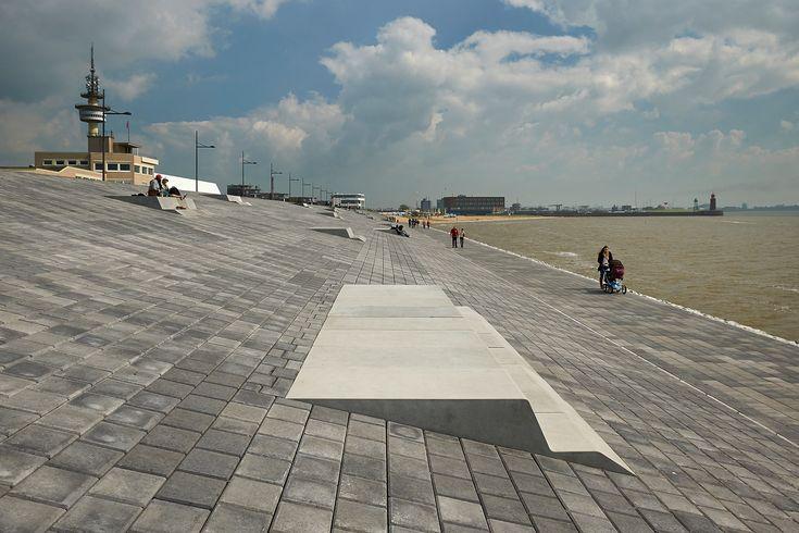 Willy Brandt Platz, Bremerhaven by Latz + Partner LandschaftsArchitekten / © Markus Tollhopf
