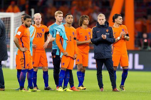 Das ist wahre Größe! Die niederländische Nationalmannschaft hat gestern Abend überraschend angekündigt, die Fußball-Weltmeisterschaft in Russland als Zeichen gegen die widerrechtliche Annexion der Halbinsel Krim zu boykottieren. Die Elftal intensiviert ...