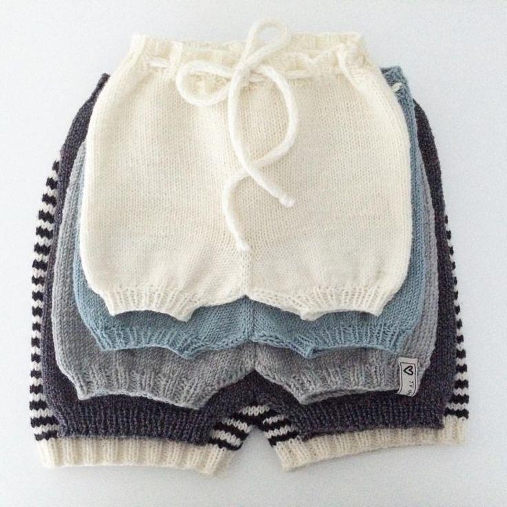 """136 Synes godt om, 19 kommentarer – Annelinn (@annelinnstensrud) på Instagram: """"Love it ✨ #babyshortsen #guttestrikk #babyshorts #denstoreguttestrikkeboka @charlottpettersen…"""""""
