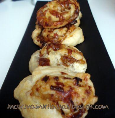Sono innamorata della cipolla caramellata di Oldani , l'avete mai provata?   E' uno dei miei piatti preferiti, ma un pochino laborioso...