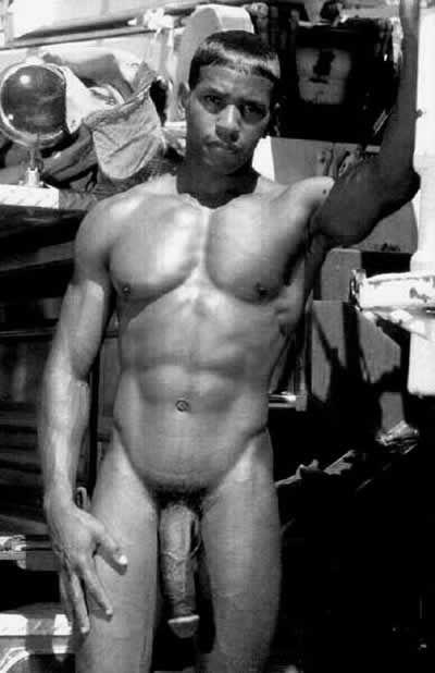 gay frosinone uomini nudi muscolosi