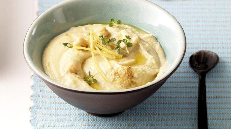 Hummus | Zum Dippen und Stippen: Hummus - ein köstlicher Dip mit Kichererbsen und Sesampaste, in unserem Rezept noch cremiger mit Rama Cremefine.