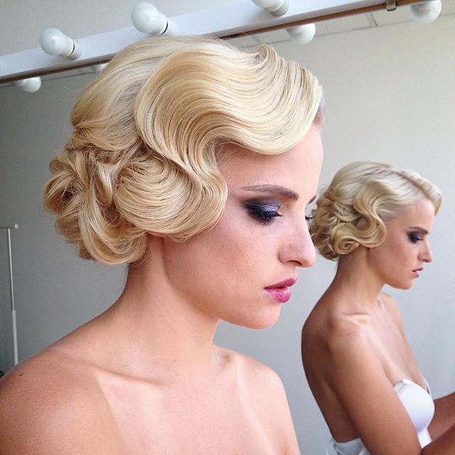 23 Evergreen Romantic Bridal Hairstyles: How To Create These Waves? Finger Waves #WeddingHairstyles