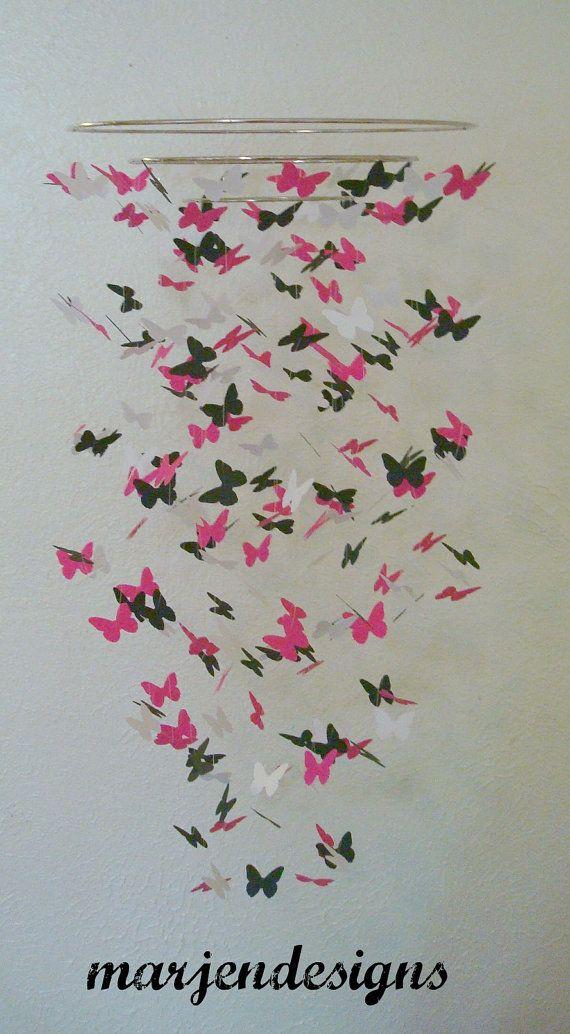hete roze zwart / wit vlinder mobiele dorm kamer door marjendesigns